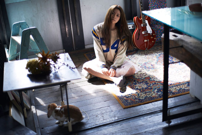 Epiphone Artist Rina Katahira Releases New Video